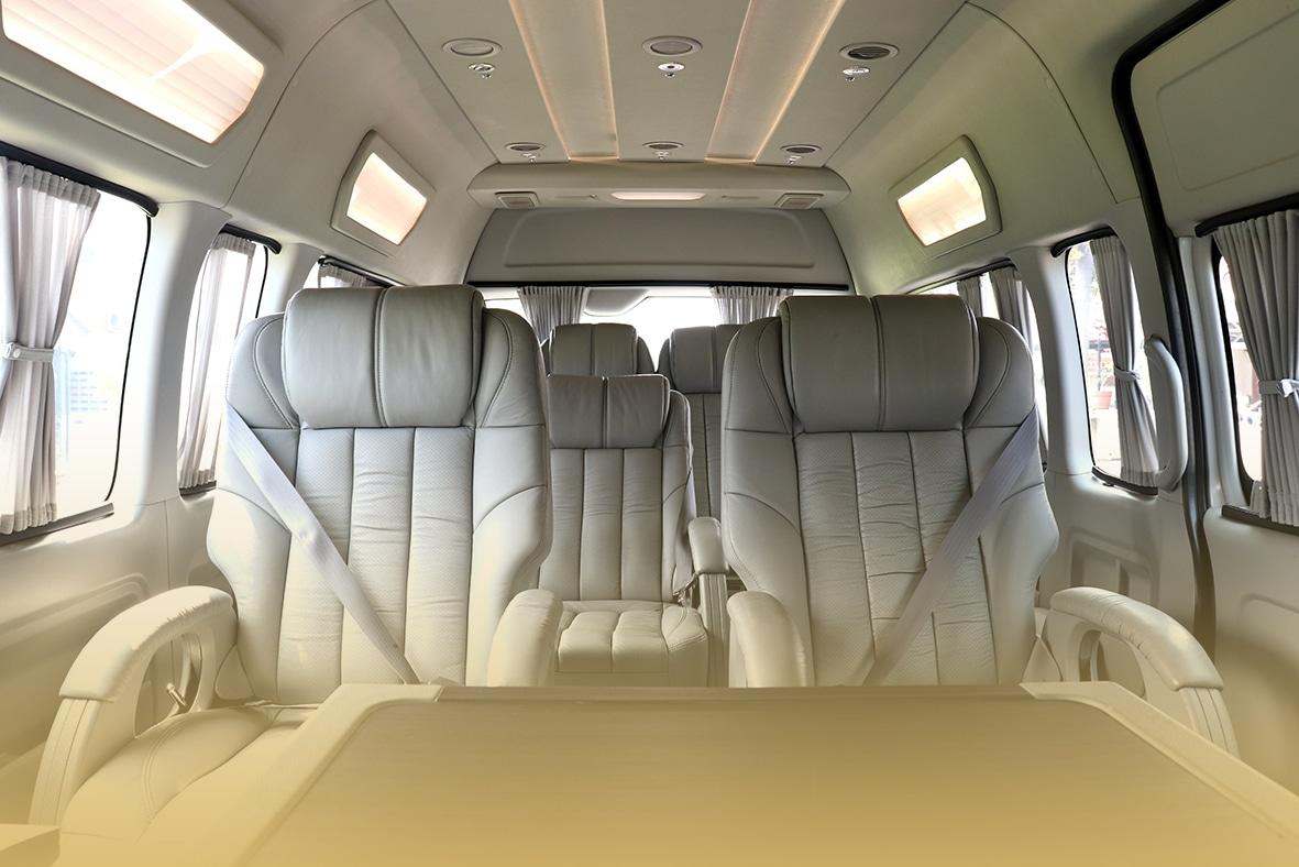 takatrans Interior - page Hiace Luxury 04
