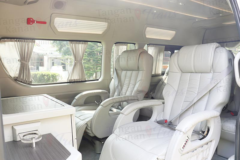 takatrans Sewa hiace Grand luxury - Interior Page home 08