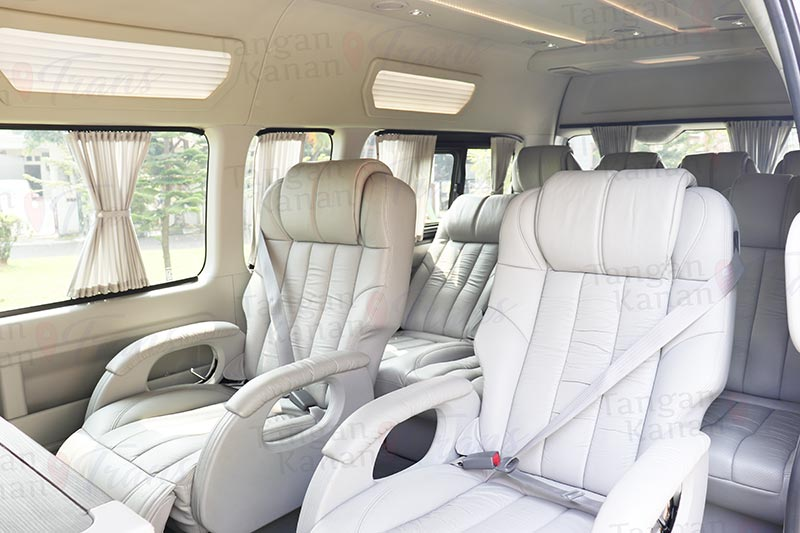 takatrans Sewa hiace Grand luxury - Interior Page home 06