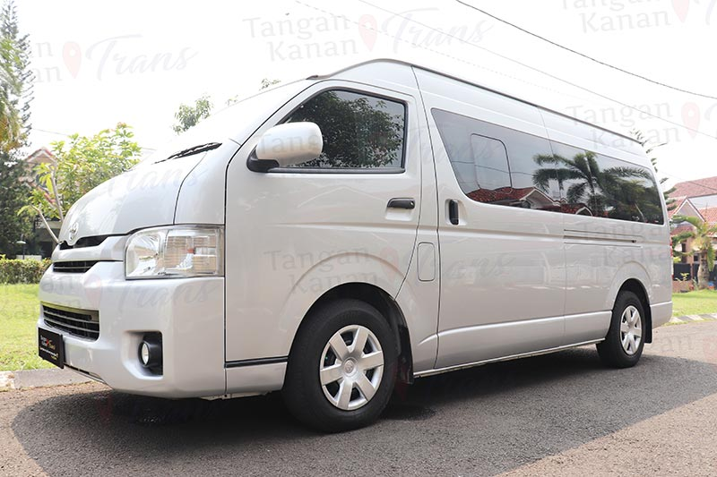 takatrans - Hiace Grand Luxury Watermark front 01
