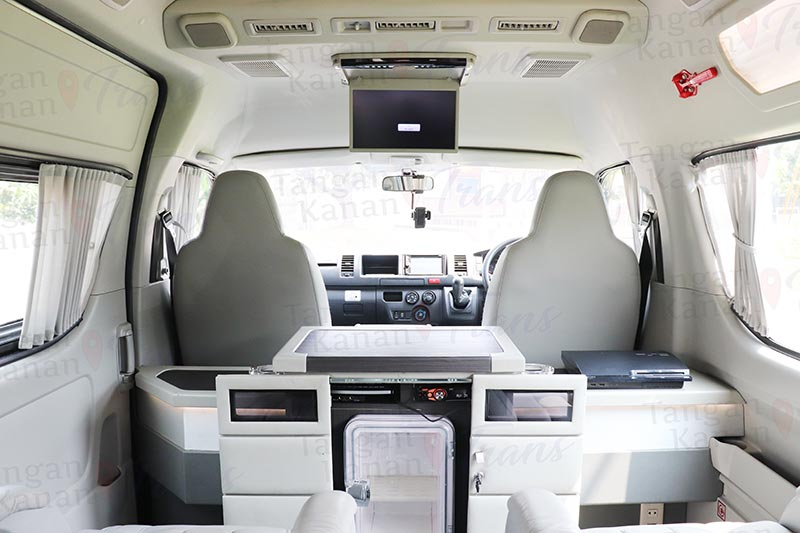 takatrans Sewa hiace grand luxury - Interior Page home 04